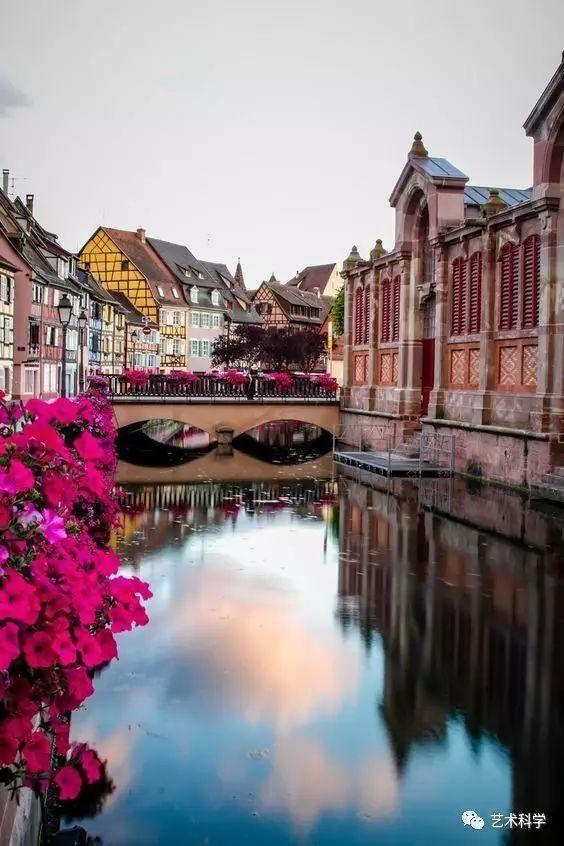 世界上最美的小镇,每走一步都是风景_22