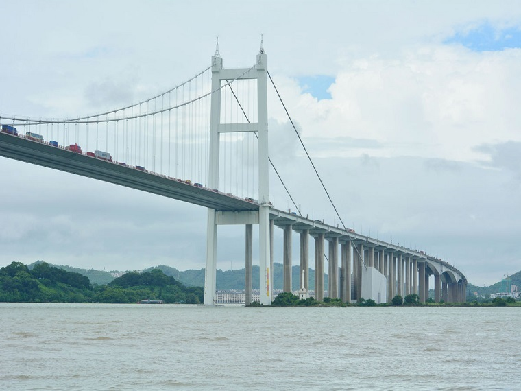 主桥钢箱梁和主塔及斜拉索工程工地安装施工方案