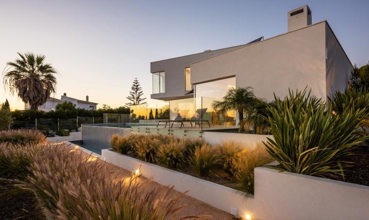 自然有机,纯白主义的地中海住宅 / STUDIOARTE建筑师事务所