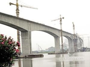 包西铁路通道某特大桥变截面刚构-连续箱梁组合结构施工方案