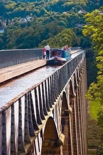带你看看世界各地奇形怪状的景观桥,不要谢我!_8