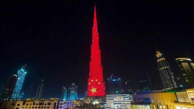 他为香港设计了一座1000米高,价值65亿美金的最高楼,但居然被毁