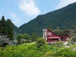 日本小镇用废弃的材料建起了一栋房子