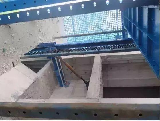 爬架施工,这9个现场安全隐患一定要排除_10