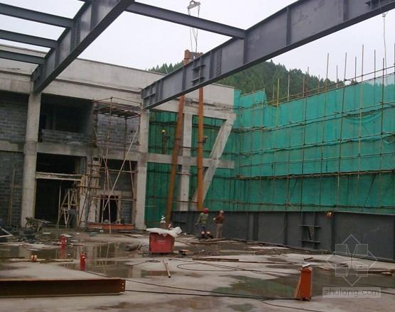 大跨度钢梁吊装施工方案