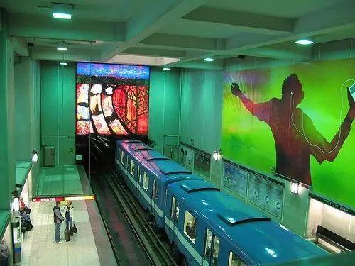 世界最美地铁景观,美到让你不想回家_28