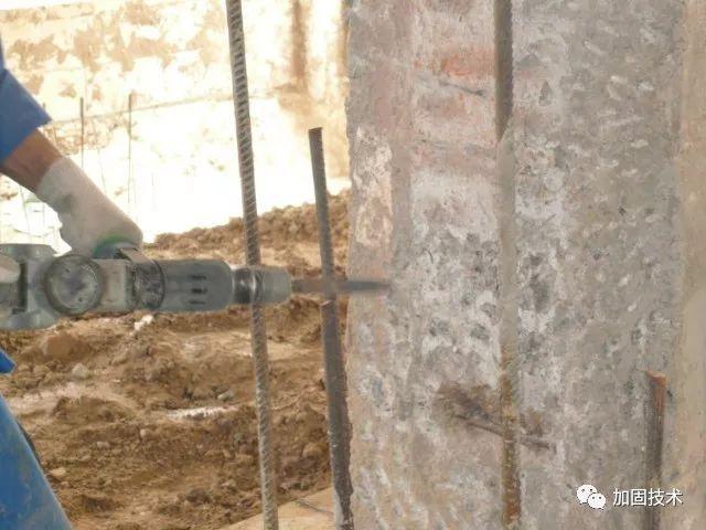 混凝土柱加固,哪种方法更优?