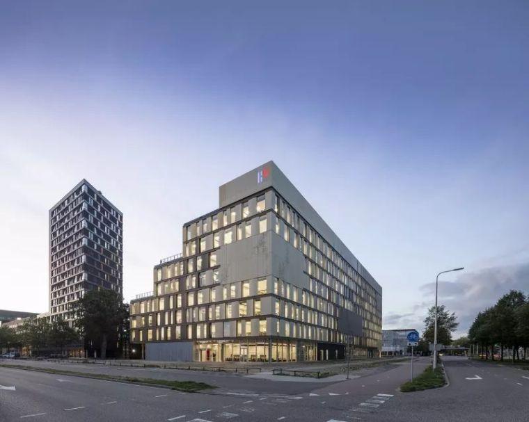 拥有一个霸道中庭的荷兰UTRECHT应用科学大学教学楼/SHL_1