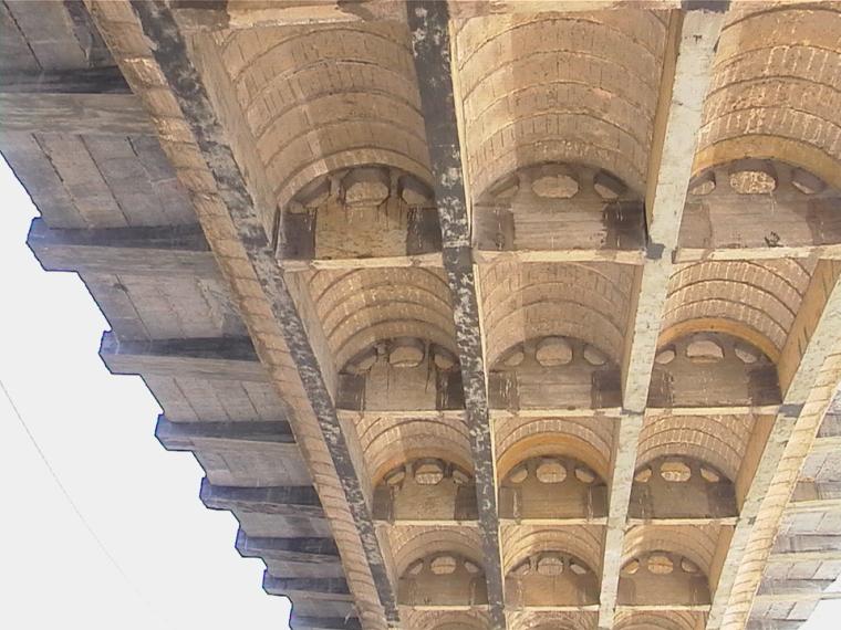 危旧桥梁的加固方法选择与适用范围