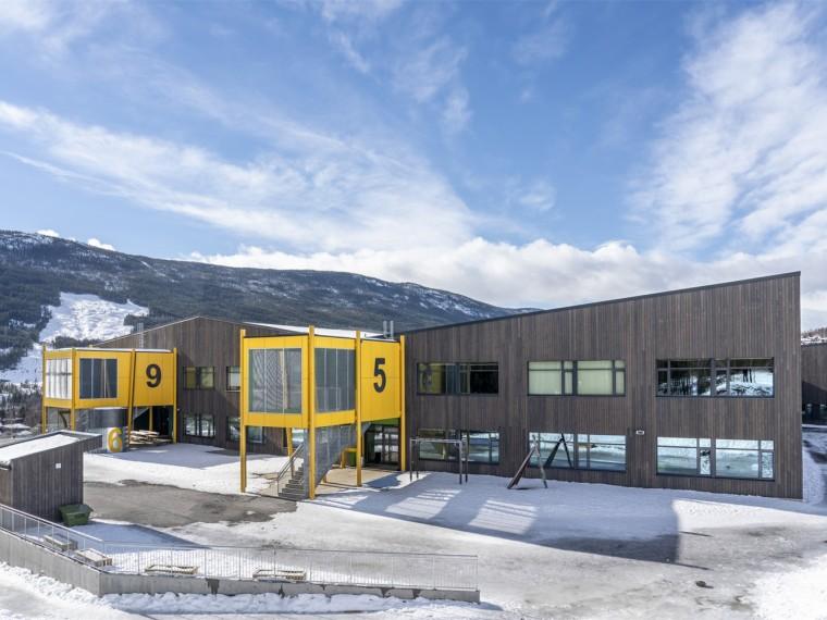 挪威色块组团的古尔学校
