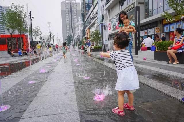 一个单词产生的设计灵感,结果火了北京的商业广场~_25