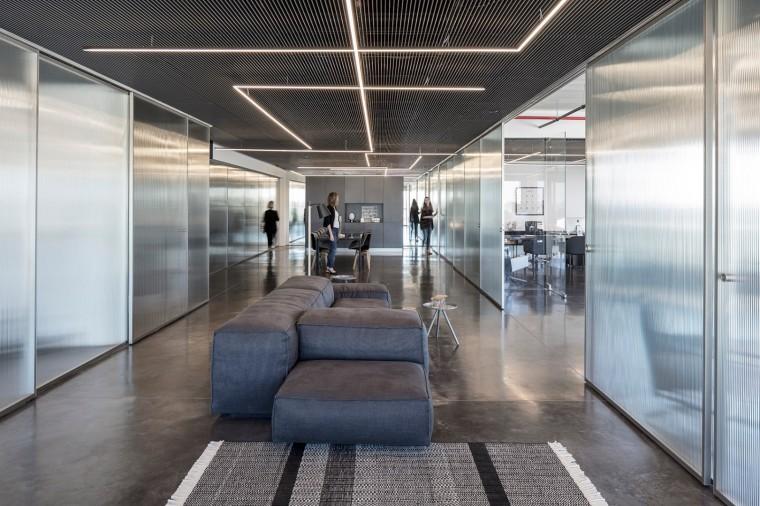 Basix灵活且动态的总部办公室-1