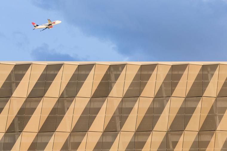 斯图加特机场公交枢纽及停车场建筑-3