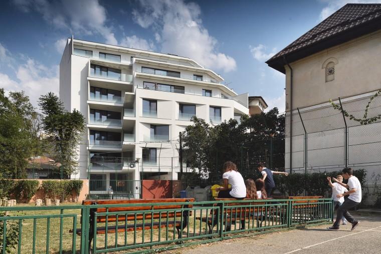 罗马尼亚Ostasilor8公寓楼
