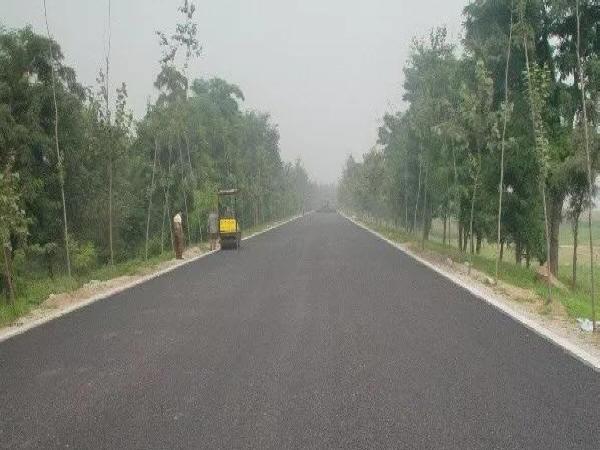 浅析沥青混凝土路面施工控制