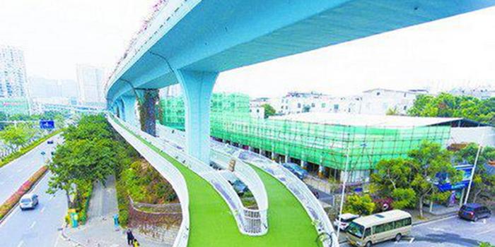 厦门建成全国首条空中自行车道