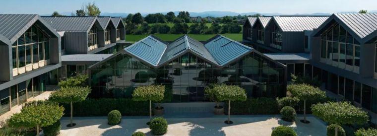 绿地上的美学村落,传统乡村建筑与创新价值的结合