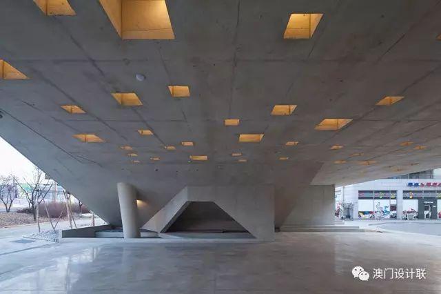 打破陈规的新式建筑,于城市中开放的观景台_9