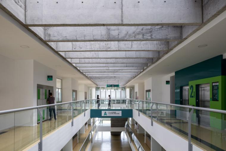 巴西安汉比莫隆比大学新建筑-14
