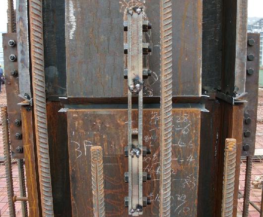 钢柱安装临时固定示意图