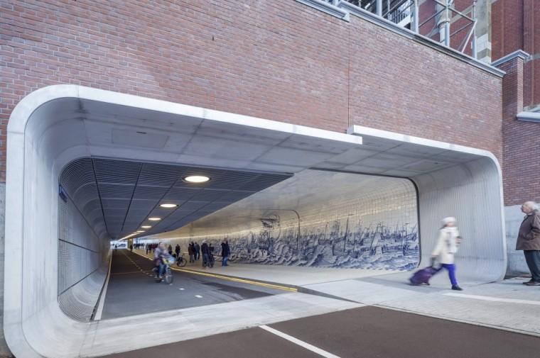 阿姆斯特丹中央火车站自行车和行人新隧道设计