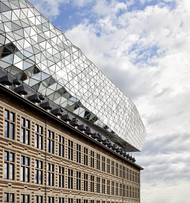 比利时安特卫普港口大楼-3