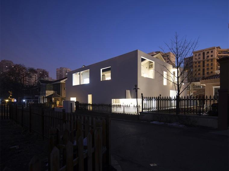 沈阳河畔花园的商业建筑-1