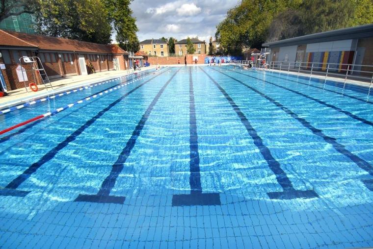 v型滤池工作原理资料下载-如何设计泳池池型?