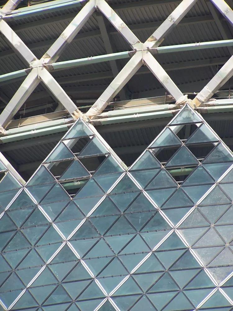 首都门厅――世界上倾斜度最大的塔楼_13