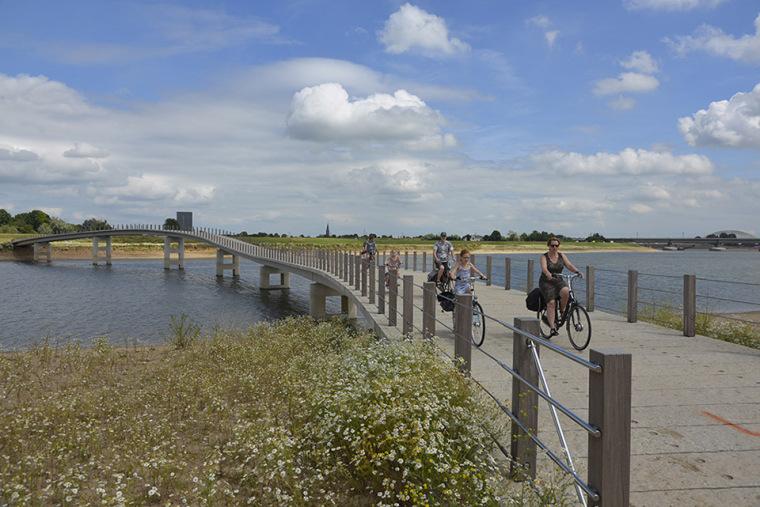荷兰钢琴桥景观