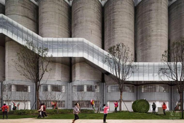 """建筑师爆改""""巨无霸""""老粮仓,除了新增100多米长的扶梯,竟还…_19"""