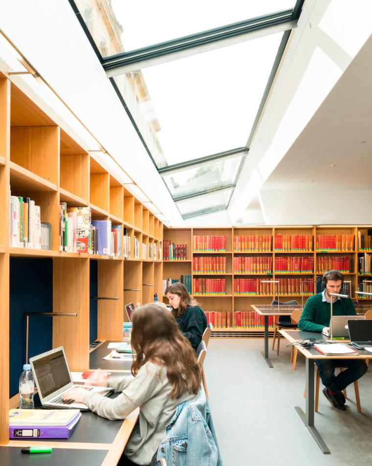 牛津大学皇后学院-11