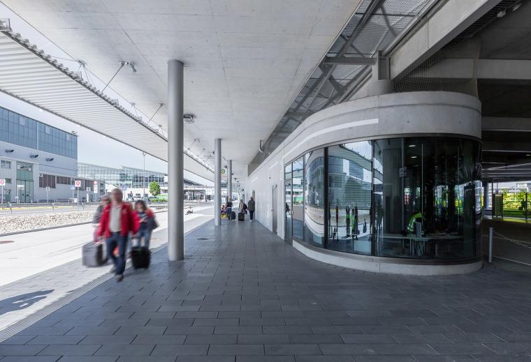 斯图加特机场公交枢纽及停车场建筑-7