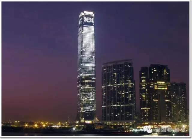 香港环球贸易广场,484米玻璃幕墙建筑问鼎香港第一高楼