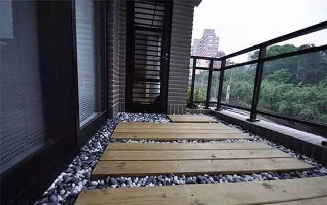 阳台地面,除了贴砖还能怎么做?