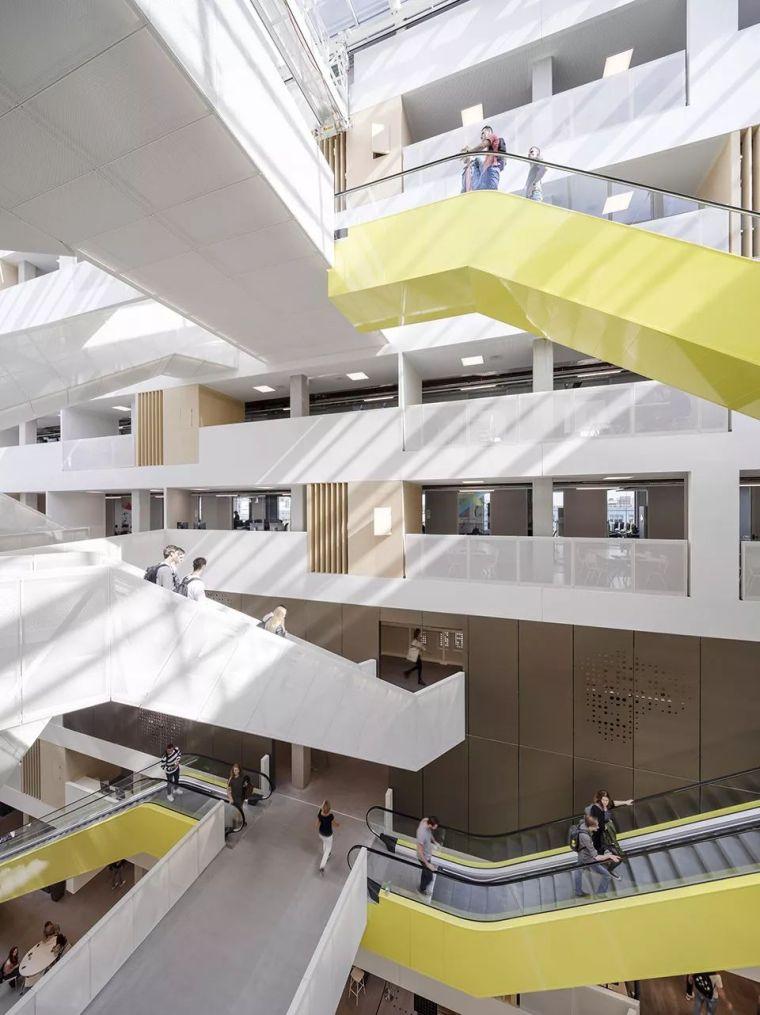 拥有一个霸道中庭的荷兰UTRECHT应用科学大学教学楼/SHL_16