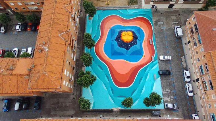 西班牙小镇广场艺术涂鸦