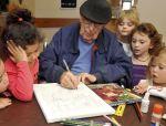养老院和幼儿园结合在一起是什么样子?