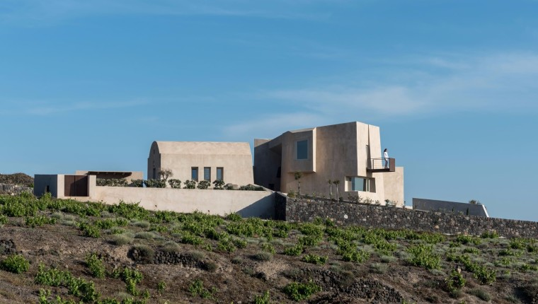 villa度假别墅资料下载-圣托里尼傲然风景之上的度假别墅