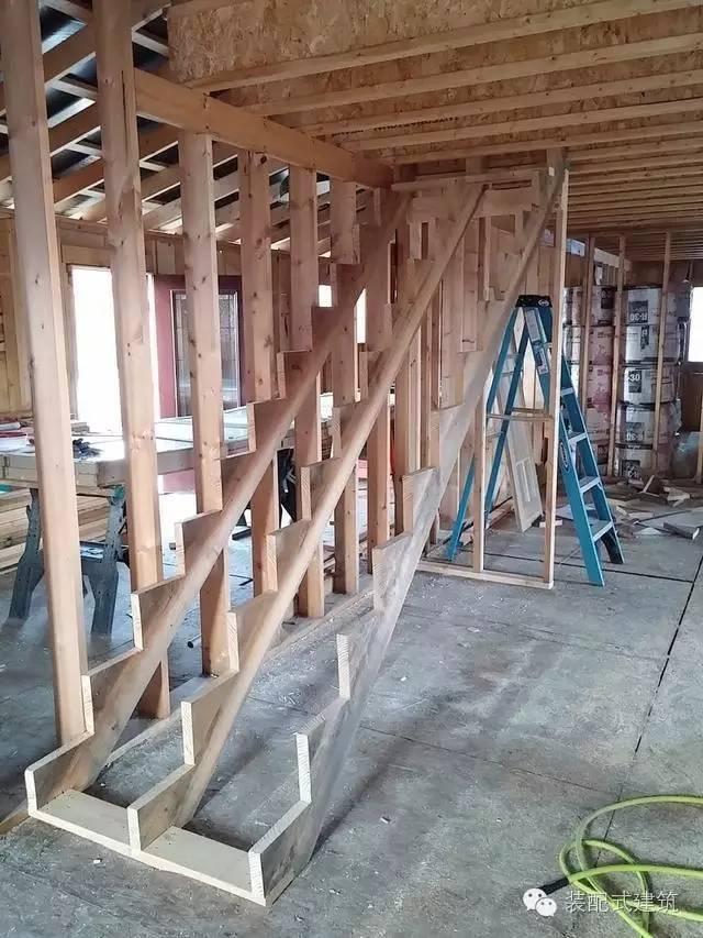 美国农村建房全程实拍——装配式木结构施工,速度快、性能好!_31