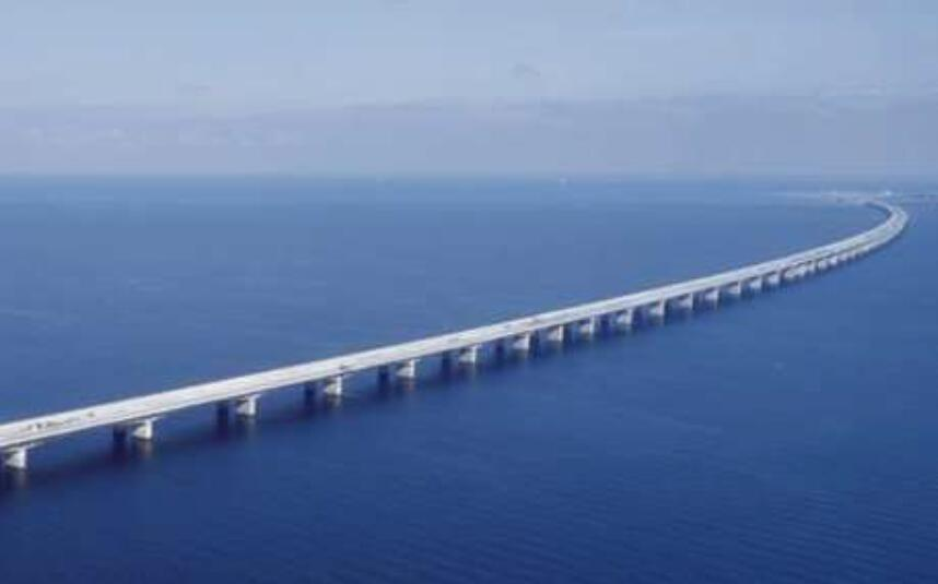 丹麦大贝尔特西桥