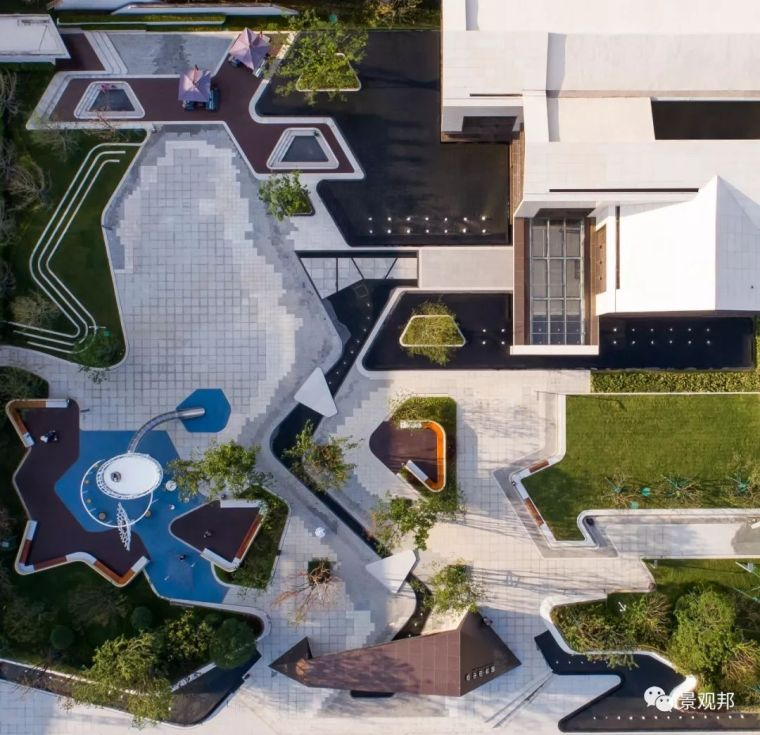 IOI棕榈城地块酒店资料下载-100张实景鸟瞰看设计