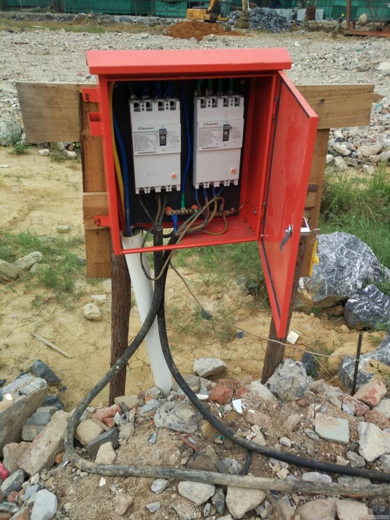 冲孔桩配电箱用电