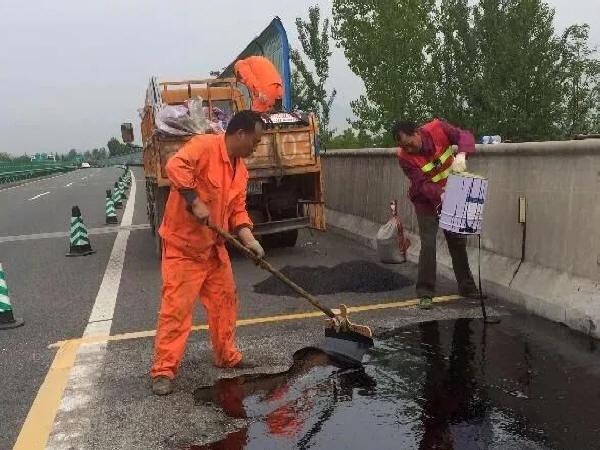 公路路基养护主要工作内容和基本要求有哪些?