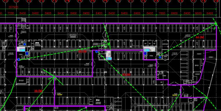 提个和建筑疏散相关的电气问题,地下车库疏散可以跨车位吗?