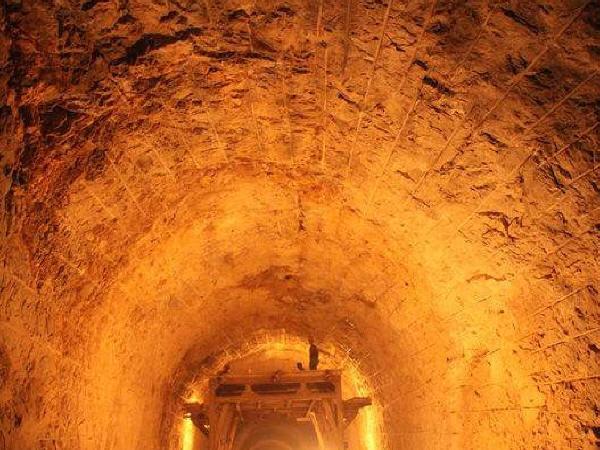 隧道超挖原因分析及预防、控制措施