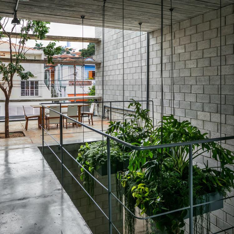 建筑中的混凝土块:如何使用这些低成本材料?_4