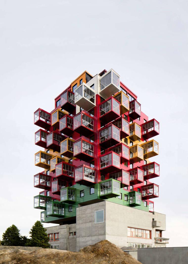 点亮城市的彩色公寓