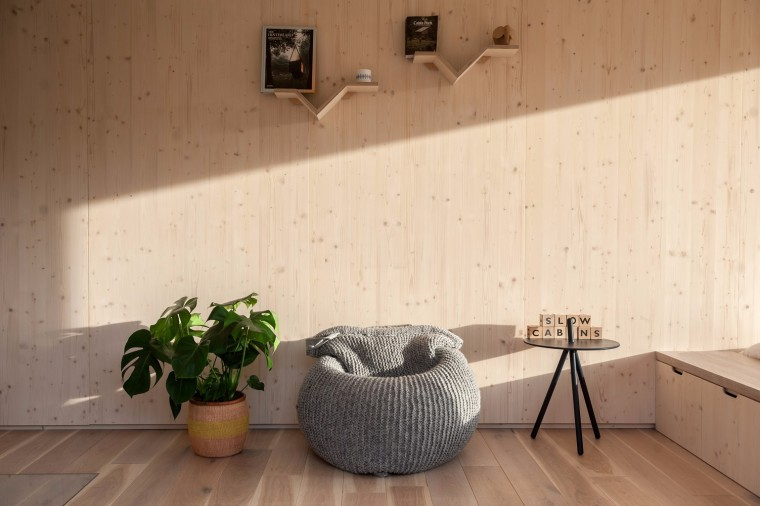 比利时能移动的生态小木屋内部实景图 (5)