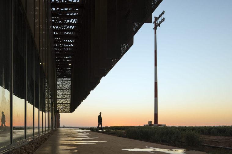摩洛哥可拓展性盖勒敏机场外部实景图 (16)